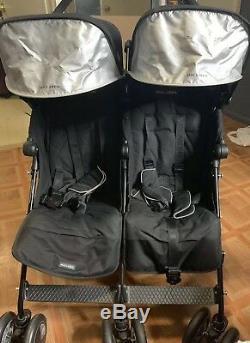 La Poussette Double Maclaren Twin Techno, En Excellent État, A Été Utilisée 4 Fois